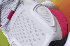 PR-adidasOriginals_FW20_Pt2_ZX_OCT_FY0605_Detail_2